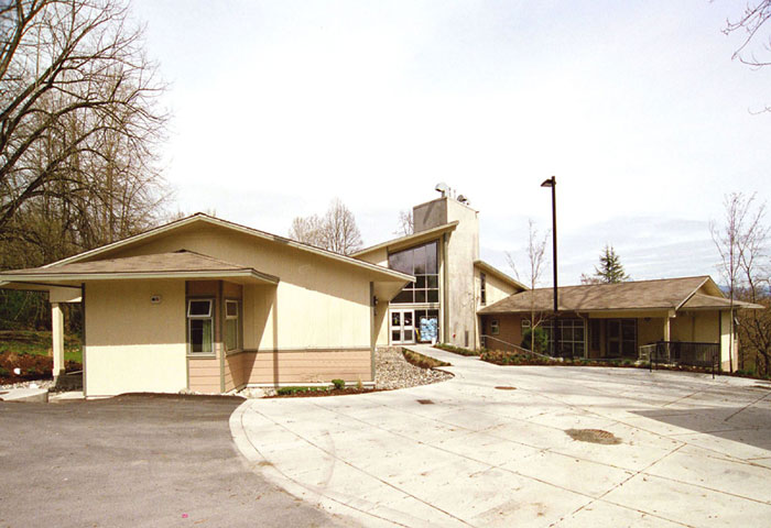 Cottonwood Lodge Care Facility Photo 8